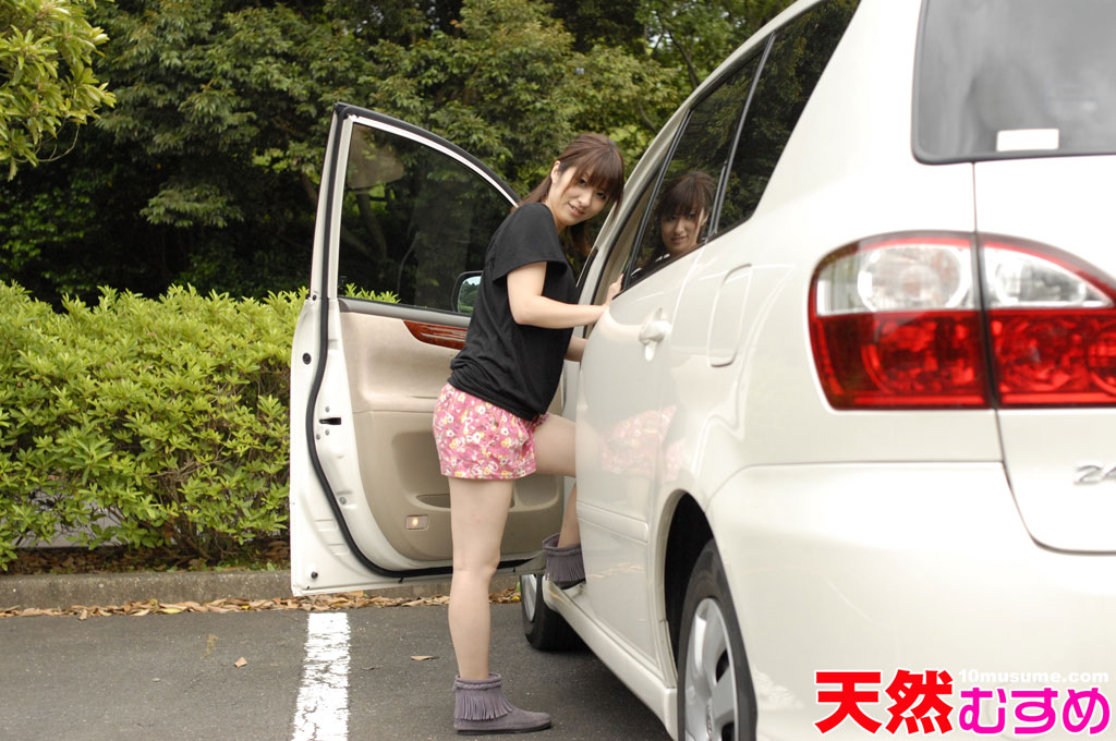 カーセックス初体験!ドッキドキの車内恋愛!