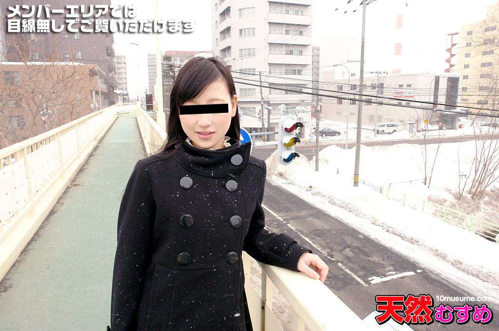 18歳の美少女はちょっと強引なカンジが好き